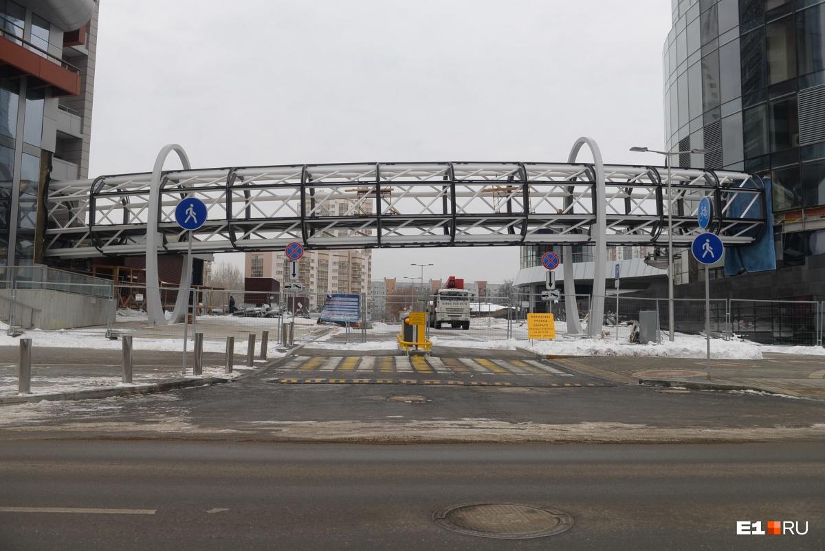 «Хаятт» соединяют с «Исетью», чтобы постояльцы башни могли пользоваться инфраструктурой отеля