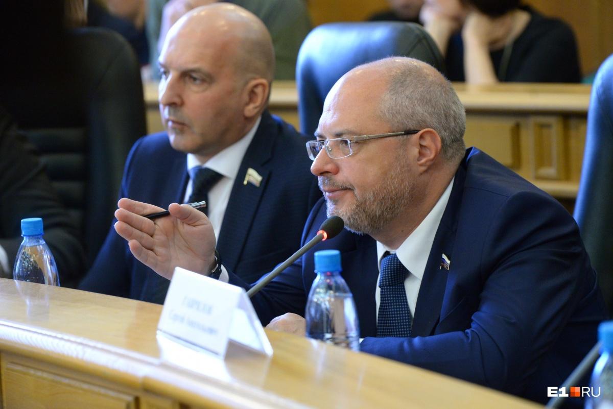 Сергей Гаврилов не разделяет убеждения защитников сквера, считает, что нужно начать строительство храма на выбранном месте