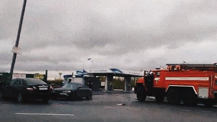 Два человека пострадали в утреннем ДТП у заправки на Лесобазе
