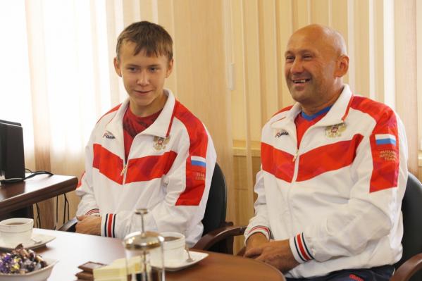 Никита Мамонтов и его отец Владимир Вячеславович