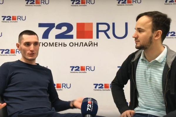 Артём Таловиков (на фото слева) 25 суток провел в спецприёмнике после того, как его видеоролики привлекли внимание полиции и общественности