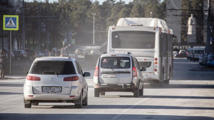 «Это не песок с моря и не крымская глина»: челябинцев возмутили пылевые бури на улицах