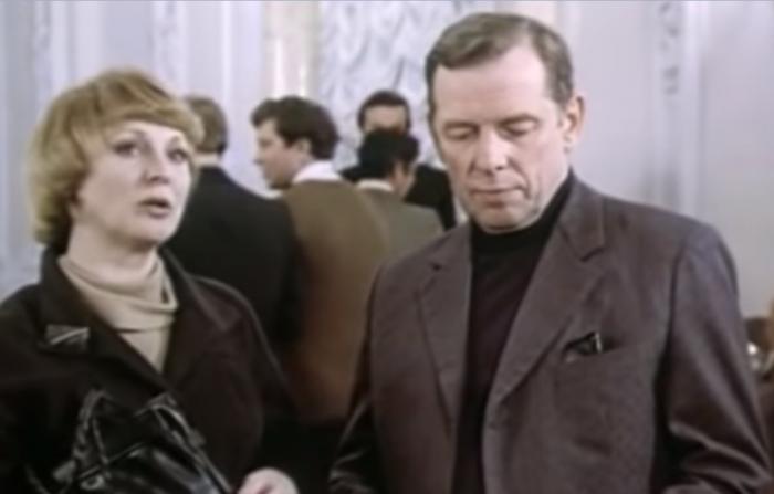 Фильм «Однофамилец», где снялась Покровская и Жжёнов, вышел на экраны в 1978 году. Его снял режиссер Ольгерд Воронцов