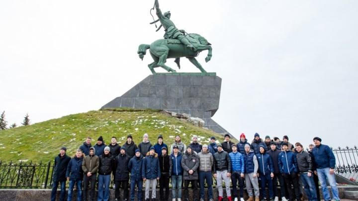 Хоккеисты «Салавата Юлаева» празднуют день рождения клуба
