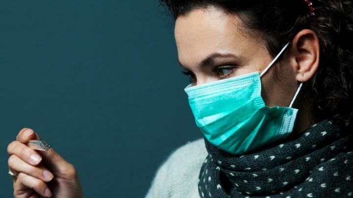 Роспотребнадзор вспомнил о медицинских масках: как и где носить