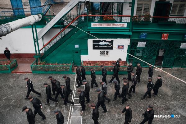 Двадцать лет в России существует запрет на смертную казнь. Вопрос об отмене моратория поднимается каждый раз после громкого преступления. Последний случай в Саратове поднял новую волну обсуждений