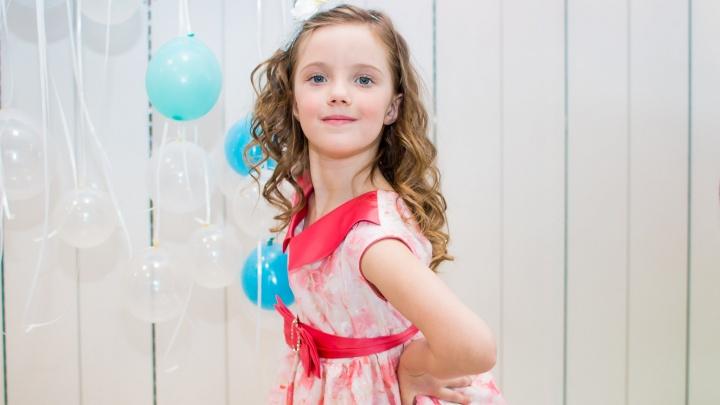 Шестилетняя Аня из Ярославля покорила жюри, спев на федеральном телеканале