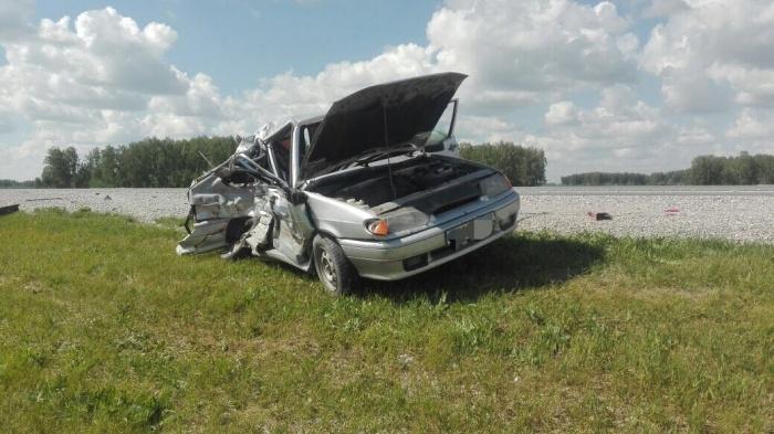 Семейная пара из Омска погибла в столкновении с грузовиком на трассе