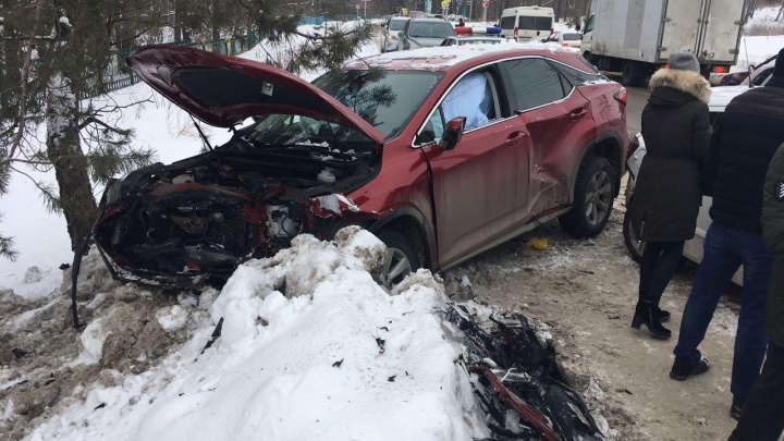 Пьяное вождение как привычка: в Тольятти поймали водителя, который выбилLexus с дороги