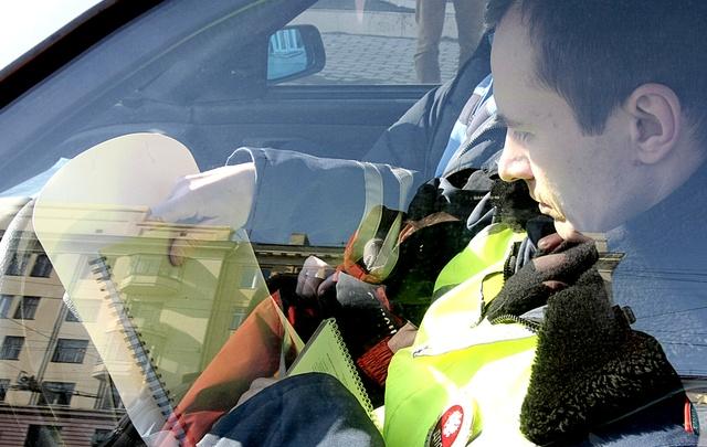 Водителей, задержанных за пьяную езду, заставят лечиться от алкоголизма