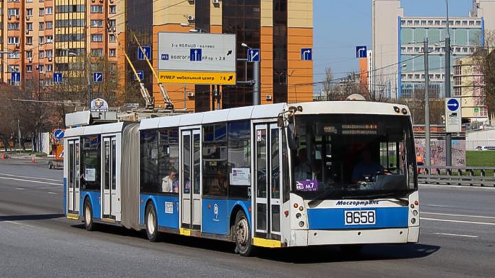 В Ростове на маршрут вернулся троллейбус-«гармошка»