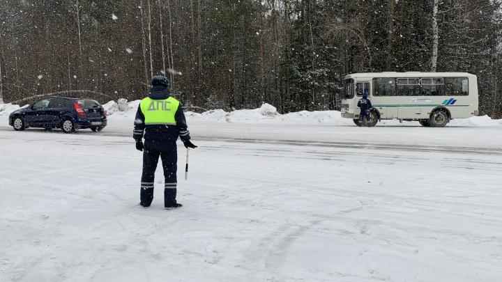 Погибли 6 человек: как водители Екатеринбурга пережили Новый год и первые праздничные дни