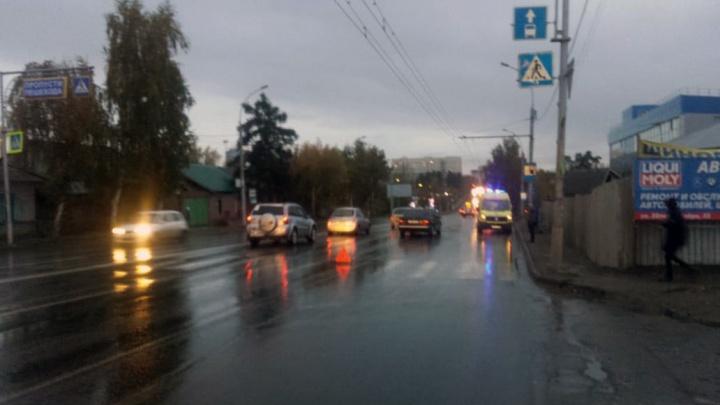 Спешат и давят: машины сбили трёх пешеходов за один час