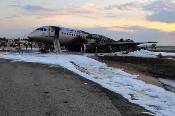 Из-за пожара во время посадки погиб 41 человек