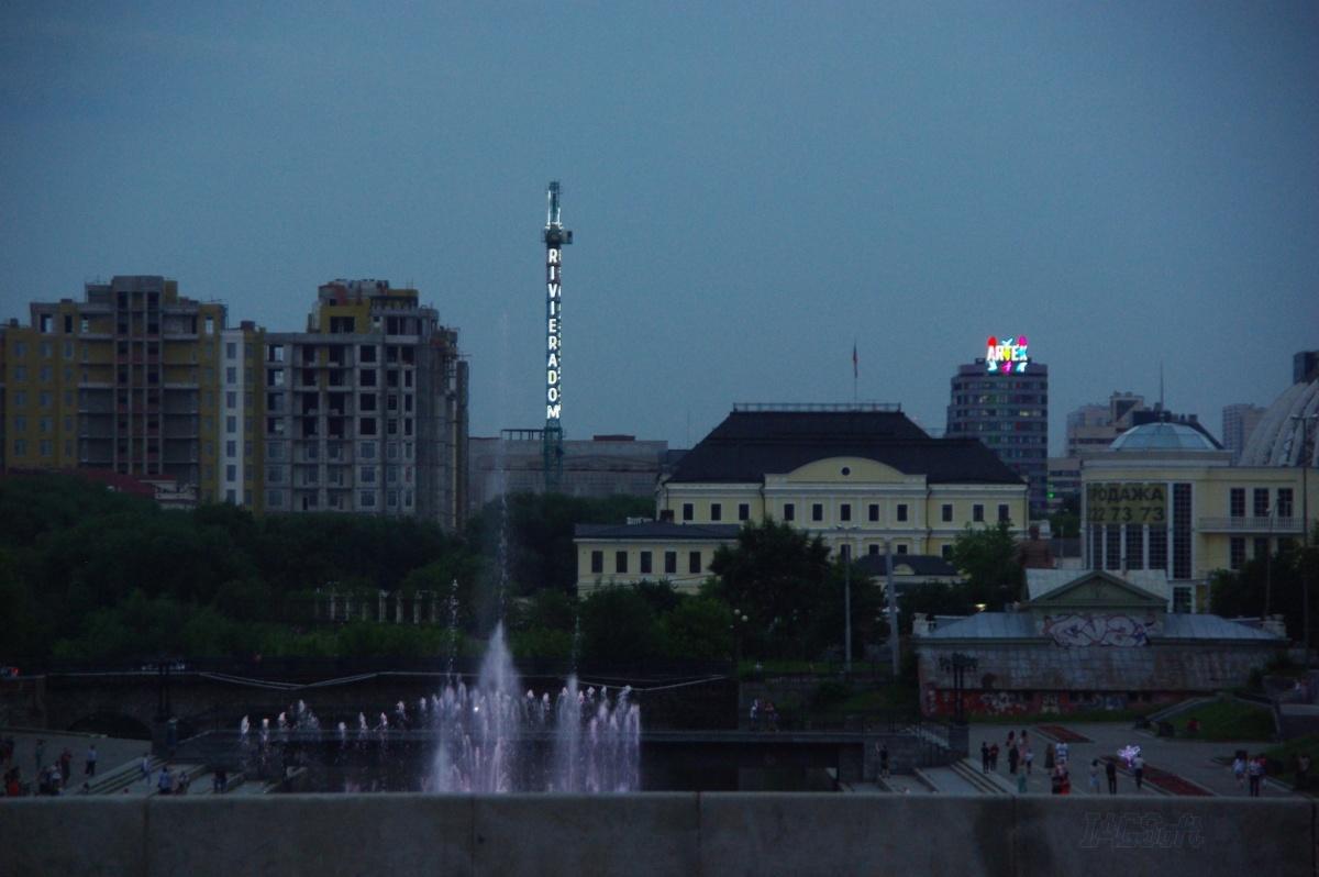 На фото видно, что «призрак» отличается от башни по конструкции