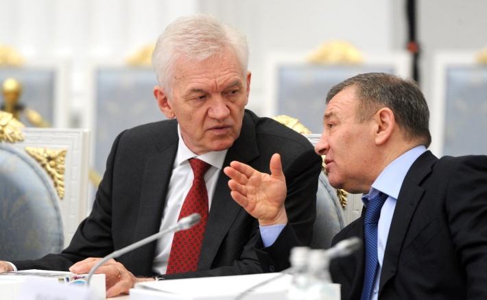Аркадий Ротенберг (справа) вместе с владельцем холдинга Volga Group Геннадием Тимченко в Кремле