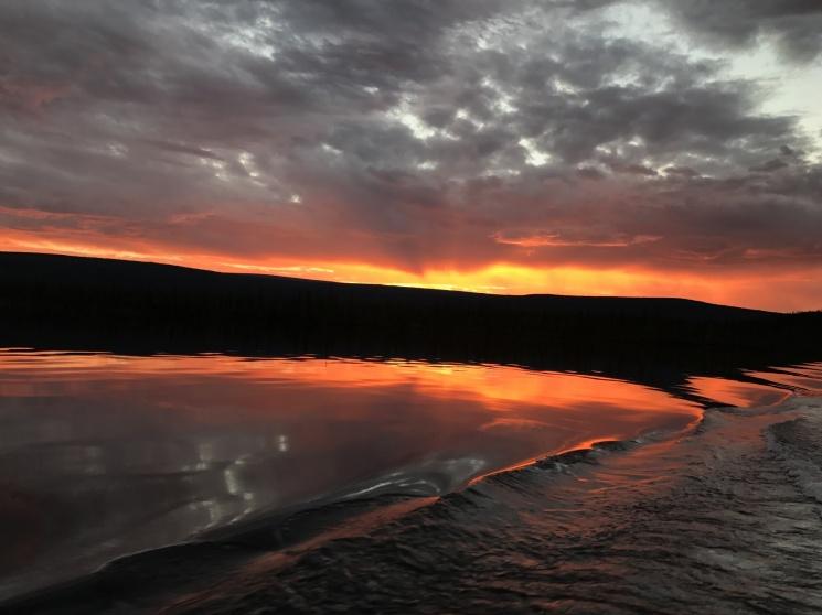 Тяжелый закат на плато Путорана