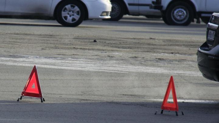 Пешеход погиб под колёсами автомобиля рядом с площадью Маркса