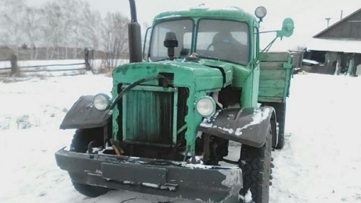 «Как тебе такое, Илон Маск?»: омские Кулибины создают машины из железяк и сварок