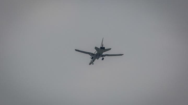 Над Новосибирском с рёвом пролетели бомбардировщики
