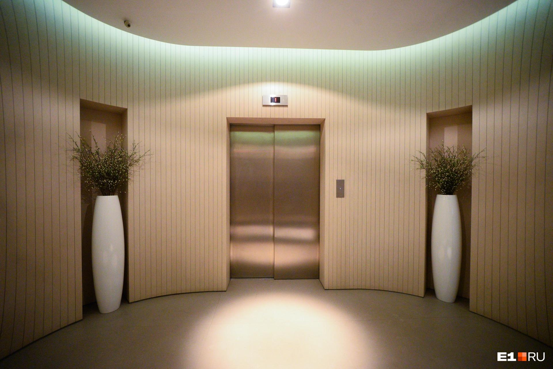Коридор на 22-м этаже, где расположены два пентхауса