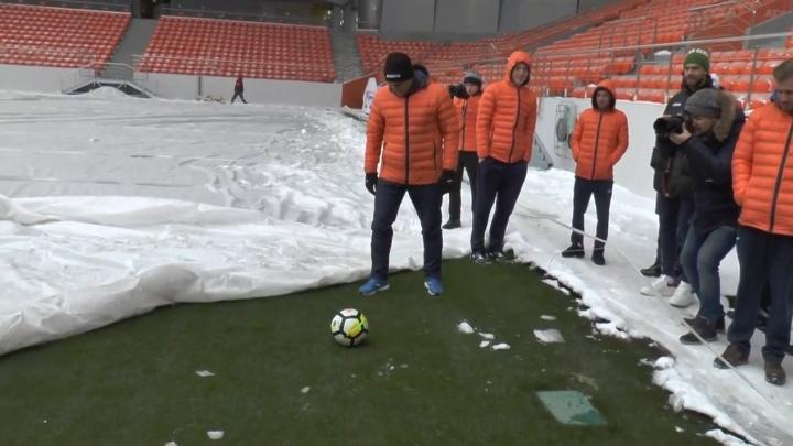 Чудо с крыльями за 13 миллиардов: гуляем по Центральному стадиону вместе с футболистами «Урала»