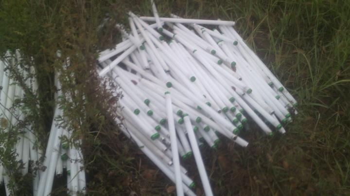 В Волгограде у жилого комплекса нашли свалку из сотен ртутных ламп