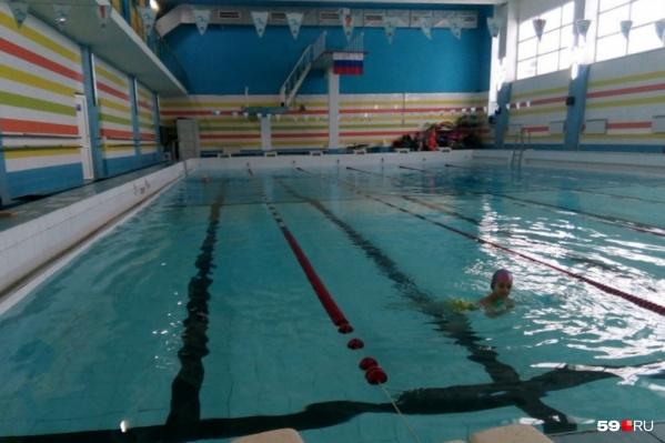 В новом спортивном комплексе планируют построить два бассейна