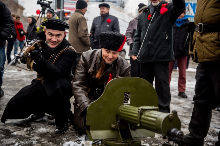 Для антуража на шествие взяли пулемет