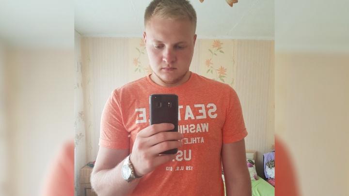 «Коллекторы выбивают деньги»: жителю Екатеринбурга оформили в«Связном» два кредита на один телефон