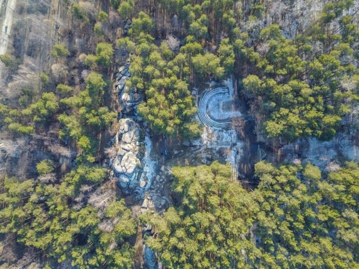 Каменные Палатки— одно из знаковых мест Шарташского лесопарка