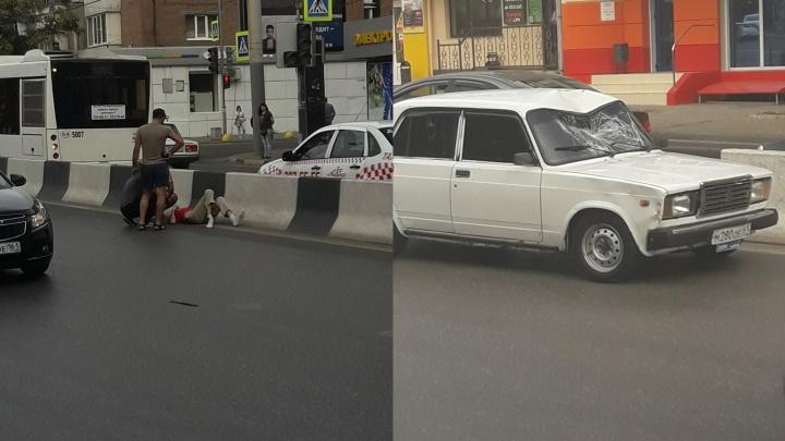 Перебегал дорогу на красный: на площади Дружинников сбили мужчину