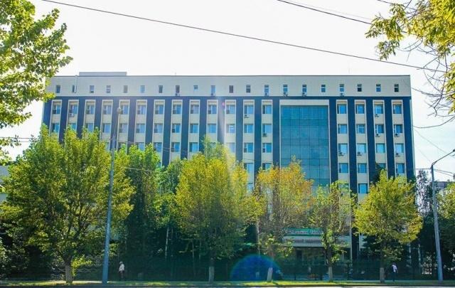 За хищение более 5 миллионов рублей экс-директор тюменского кардиоцентра отделался условным сроком