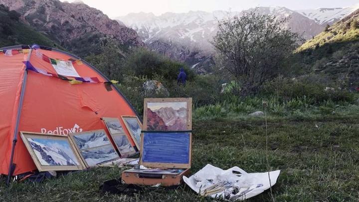 Покажи свой Instagram: рассматриваем завораживающие пейзажи омских художников