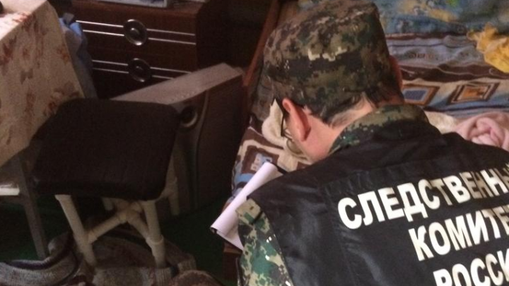 На Урале мужа с женой расстреляли в собственном доме