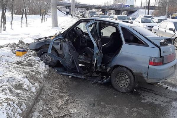 В момент аварии в автомобиле ВАЗ находилось четыре ребенка