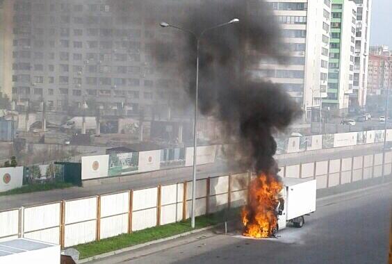 Утром у «Ленты» на Алебашевской сгорела грузовая «Газель»