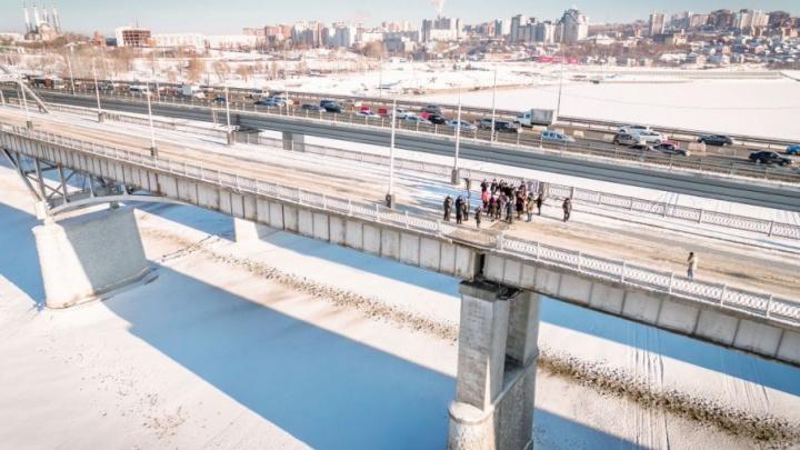 Мэр Уфы и главный госавтоинспектор решили проблему пробок на Бельском мосту