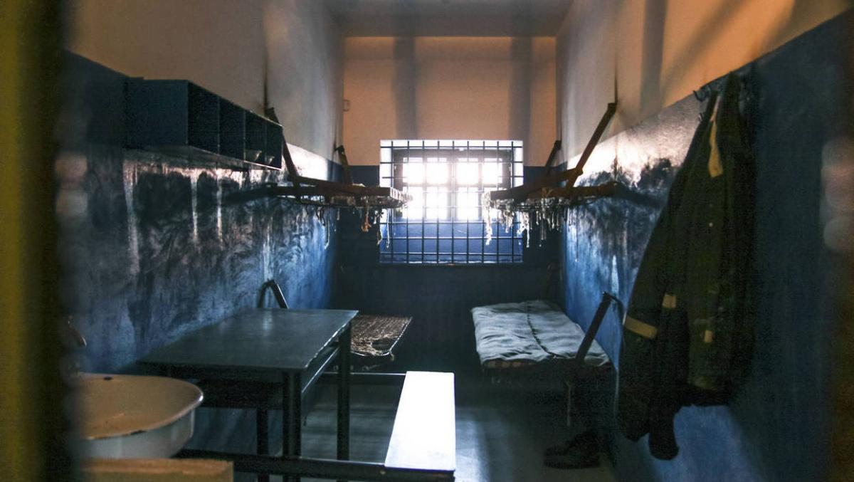 Вид камер и подвалов тюрьмы заставляет поёживаться от ужаса
