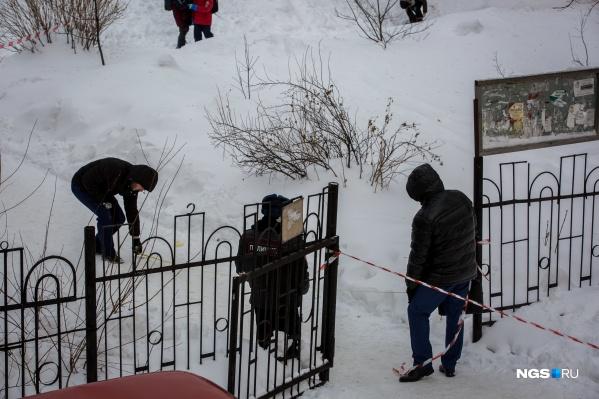 Убийство произошло возле школы, которая расположена между домом и офисом Олега Арчибасова