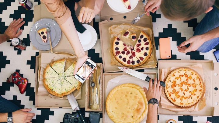 Как не сойти с ума накануне праздников: накрываем на стол быстро, вкусно и без хлопот