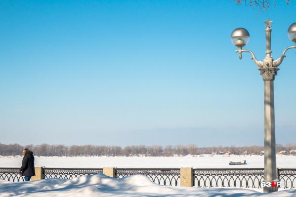 Сейчас толщина льда на Волге у Самары — 36 сантиметров