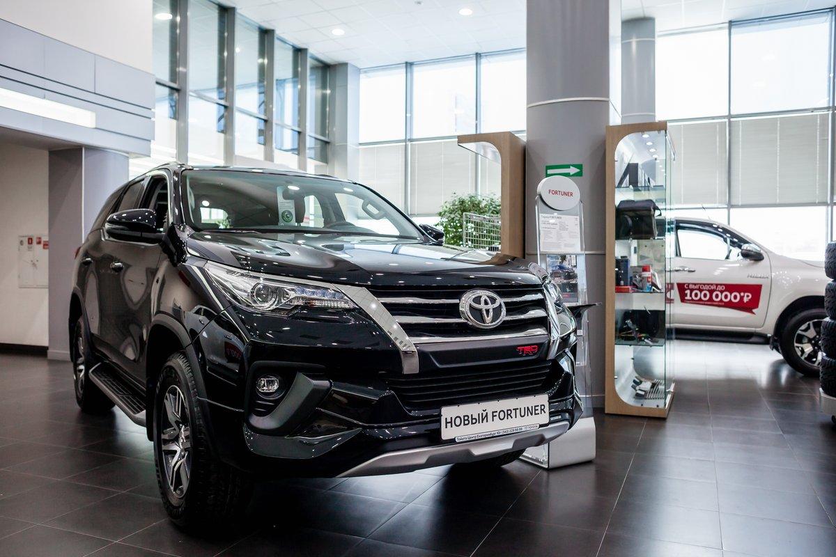 В «Дни ударных предложений» Toyota Fortuner станет доступнее на 100 000 рублей