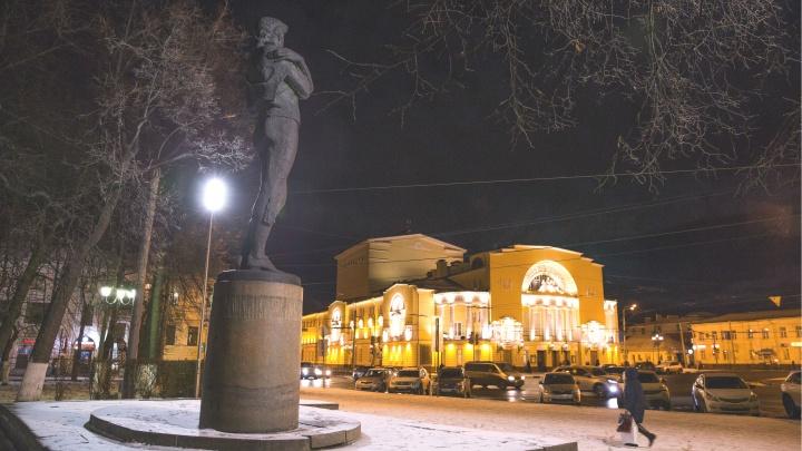 «Подставили президента и поставили подножку губернатору»: хроника битвы за Волковский театр