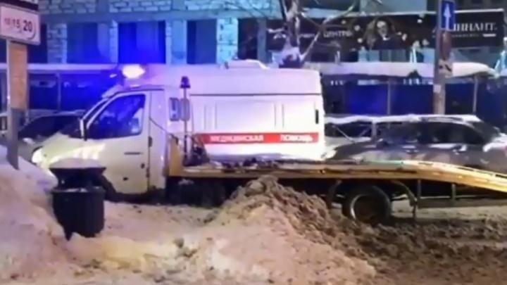 В Перми эвакуатор сбил на перекрестке двух восьмилетних детей