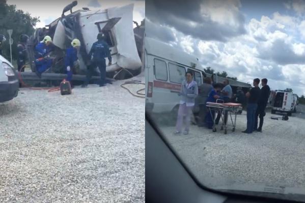 Спасатели вырезали водителя из кабины