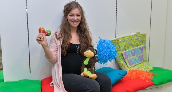 Бизнес в декрете: екатеринбурженка открыла школу английского языка для годовалых малышей