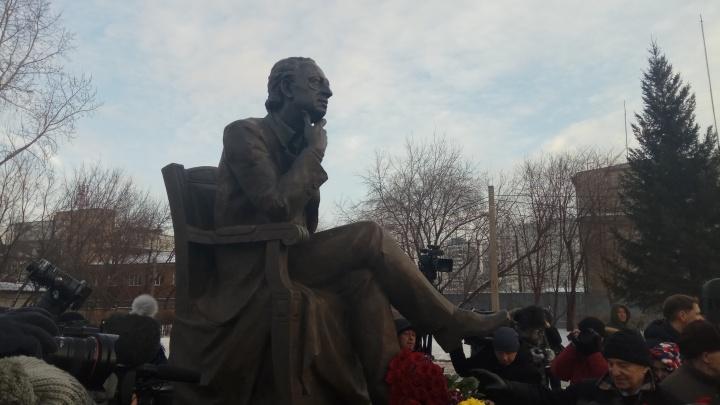 Открыт памятник красноярскому хореографу Михаилу Годенко
