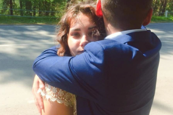 Эндже Галимовой 22 года. Она воспитывает дочь одна, муж погиб в ДТП, когда возвращался с работы