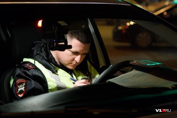 Полицейский погнался за волгоградцем, проигнорировавшим его команду остановиться